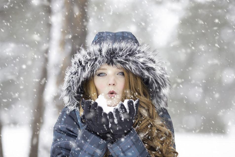 cortina new years eve girl snow